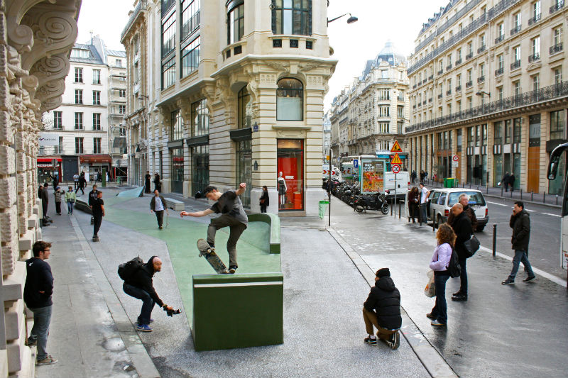 PARIS_Rue_Leon_Cladel_-_blurred_faces_-_Photo_provided_by_Constructo_Skatepark_Architecture.jpg