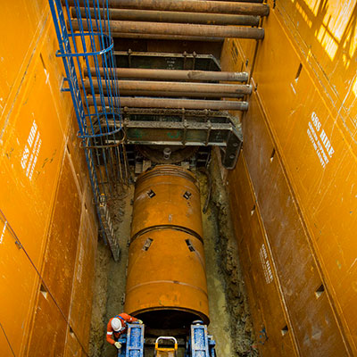Tunnel boring machine in the launch pit