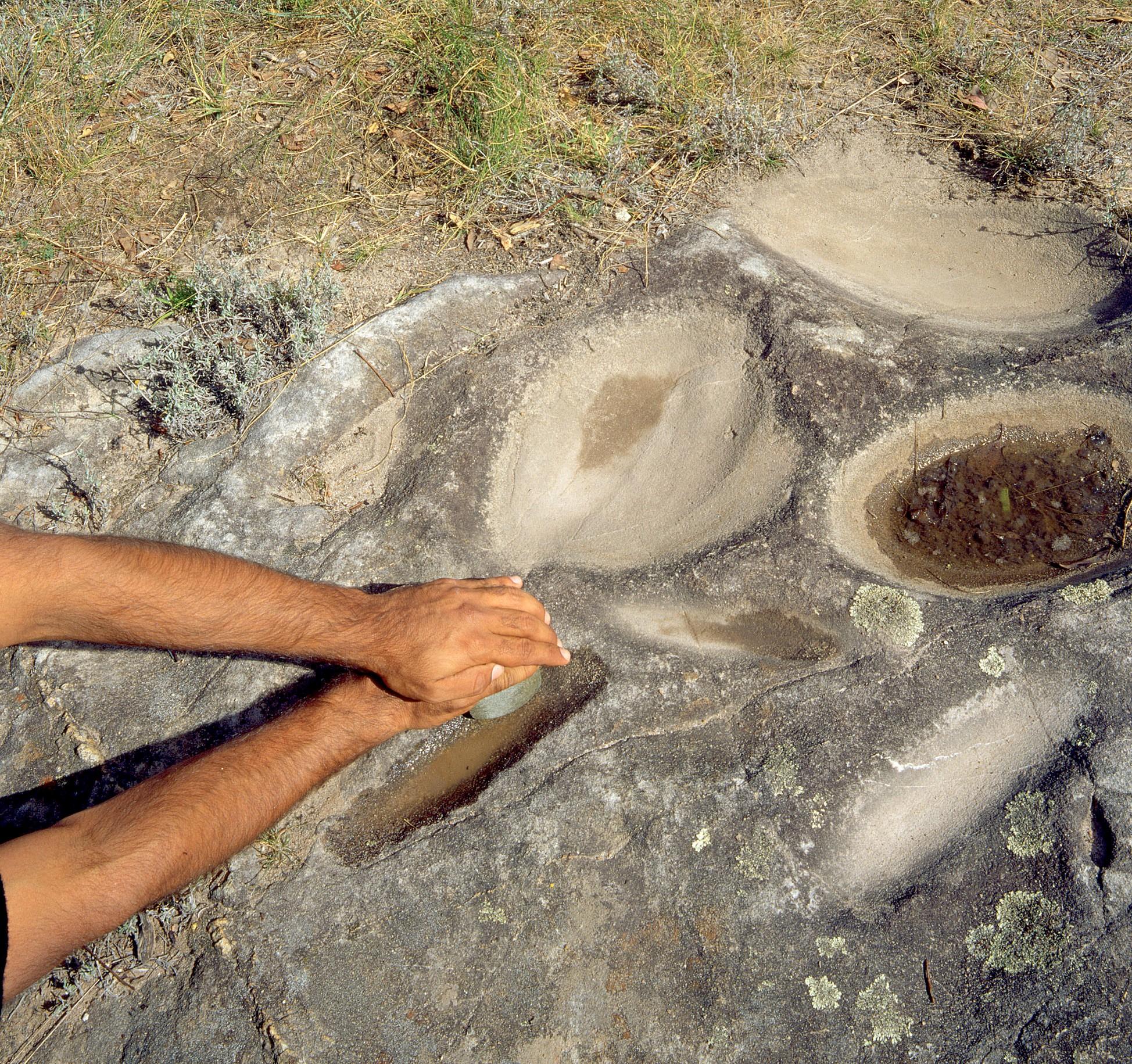 Grinding Grooves - Aboriginal artefacts