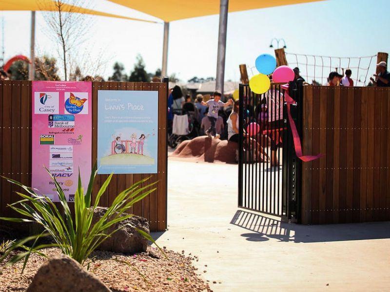 08 Entry Gate