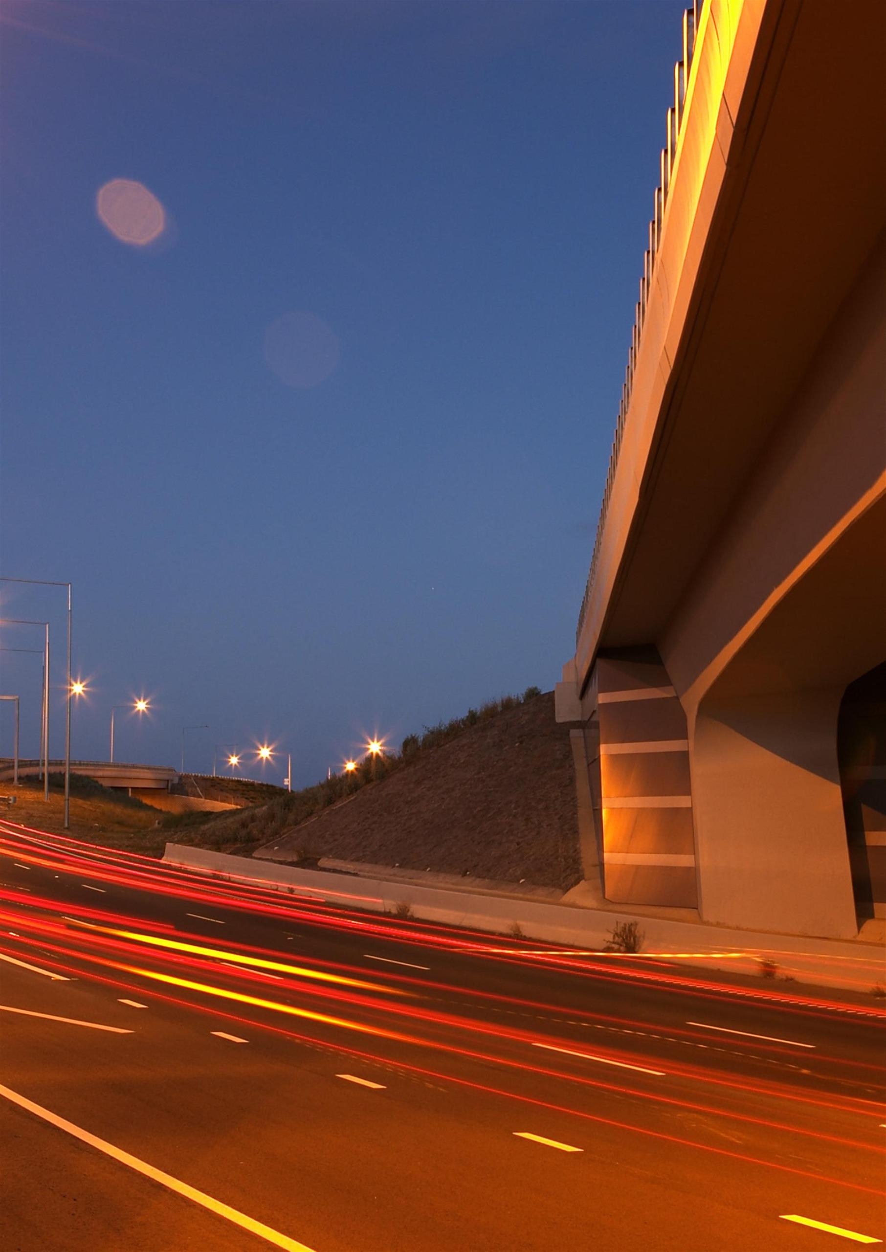 Image of freeway at night
