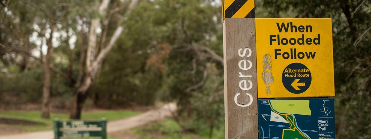 Merri Creek detour sign for when flooding occurs
