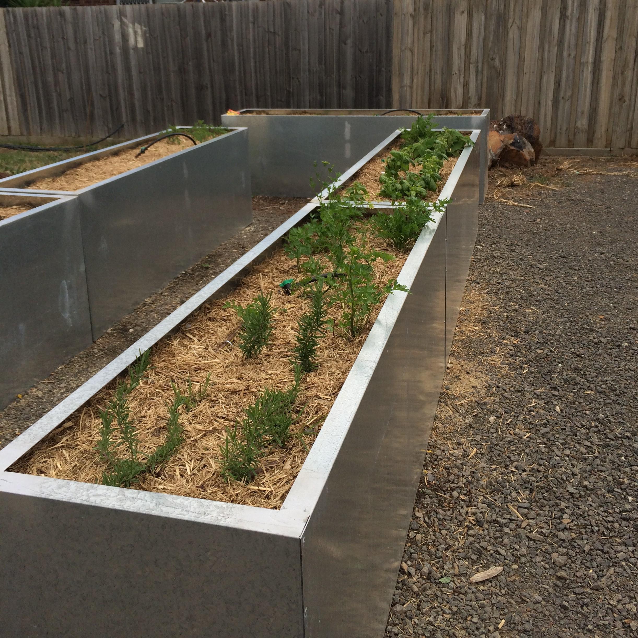 Portable veggie garden beds