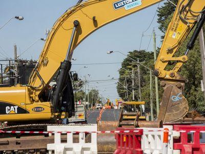 Image of works crossing High Street at Howard Street in Reservoir