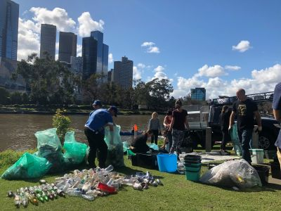Collecting litter in the Yarra River 2019