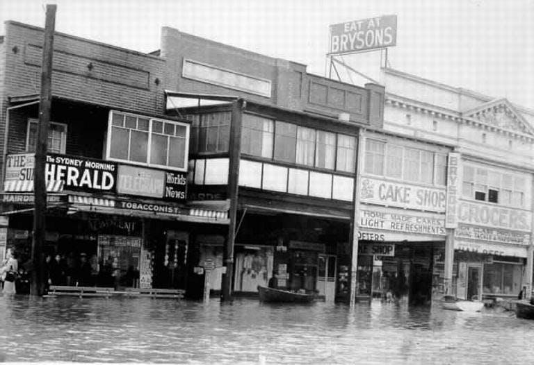 1942 Narrabeen Shops   60227