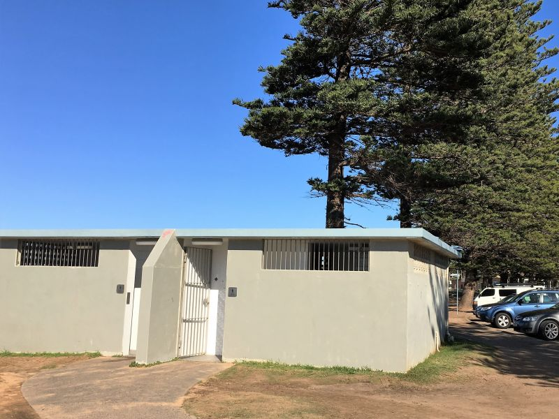 North facing entry Mona Vale Beach amenities