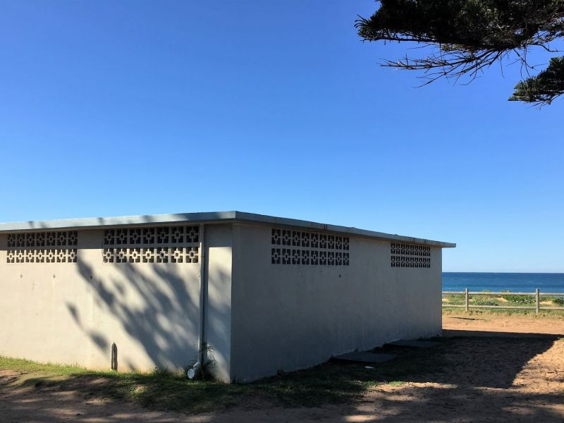 Mona Vale Beach amenities rear and side view looking east