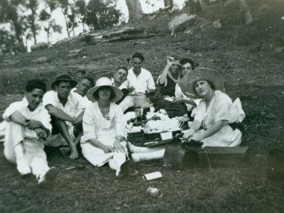 Picnic at Narrabeen 1920s