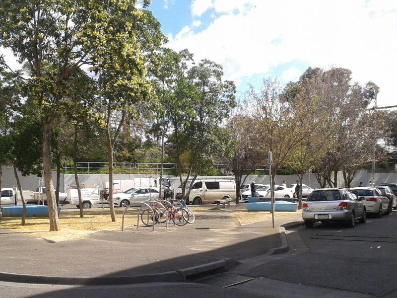 Wangaratta Street Park - facing the train line