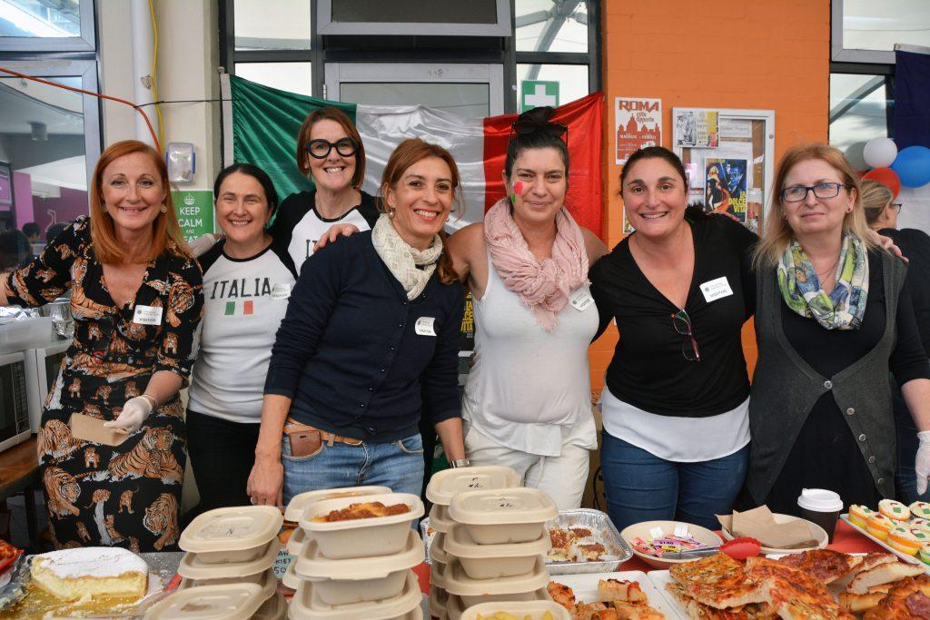 id-2018-food-stall-volunteers
