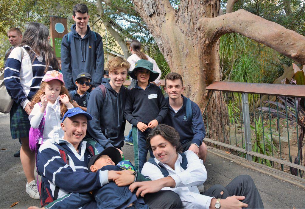 igs-year-12-kind-zoo-trip-group