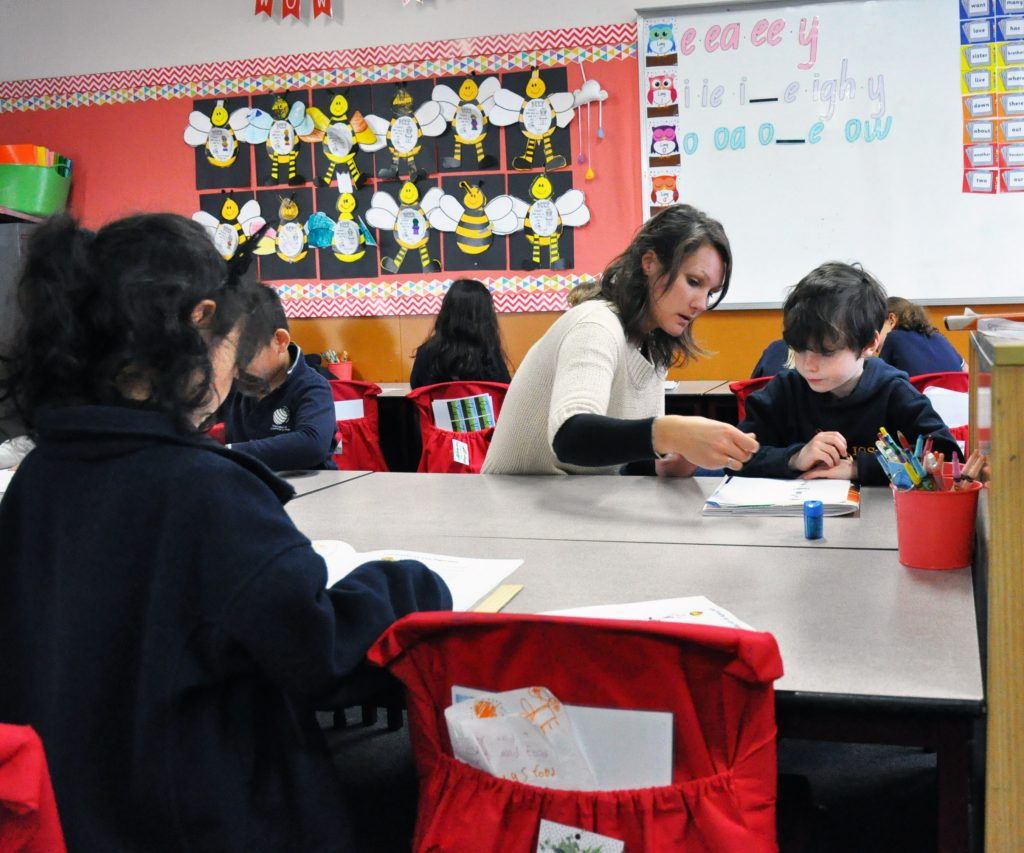igs-french-teacher-helen-schmit-classroom-activities