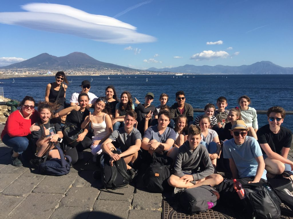 igs-history-and-drama-tour-naples