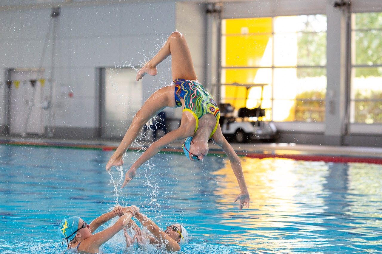 igs-synchronised-swimming-star-student