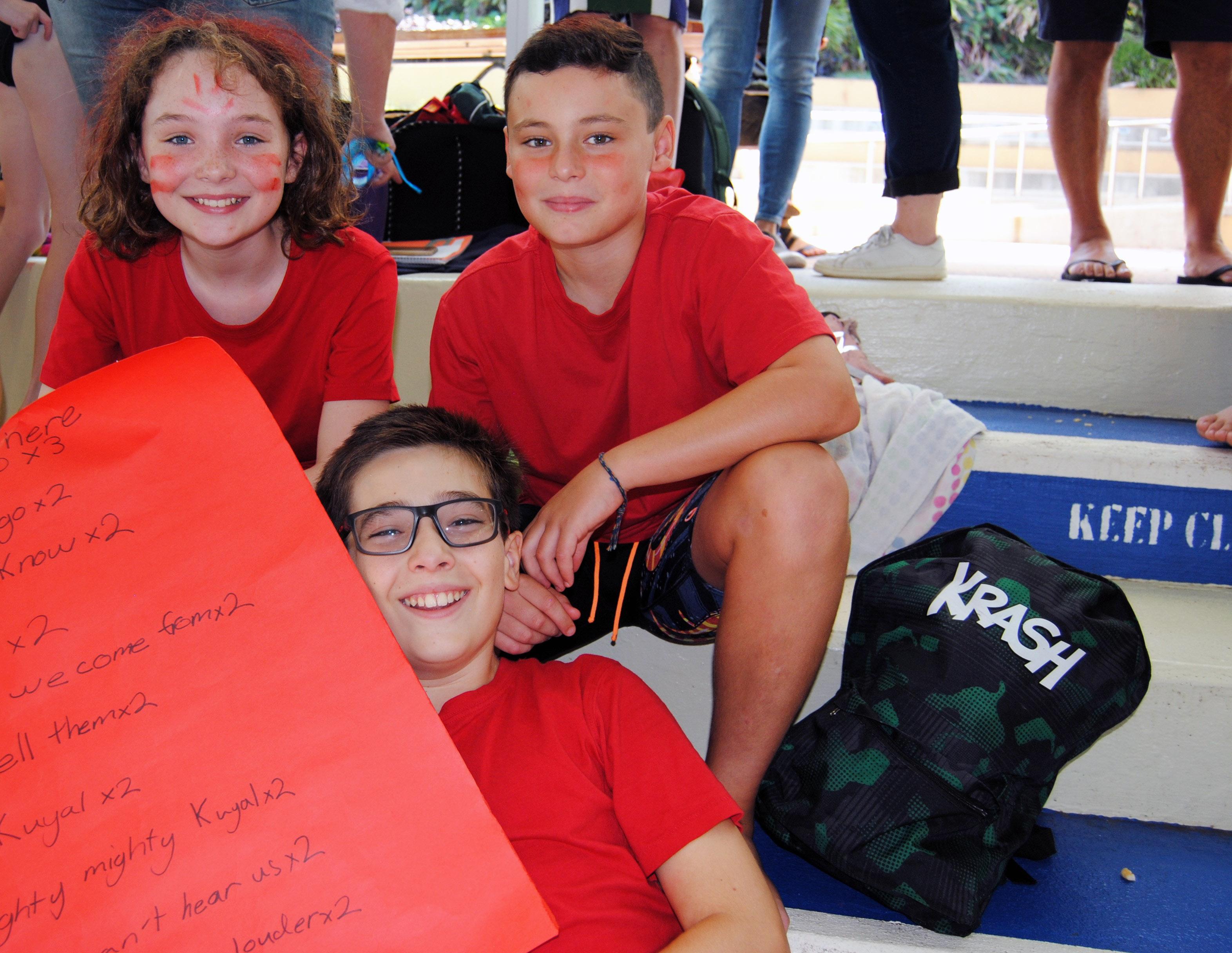 igs-primary-school-swimming-carnival-pool-race-cheering-2
