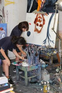 IGS students at McLean Edwards' studio