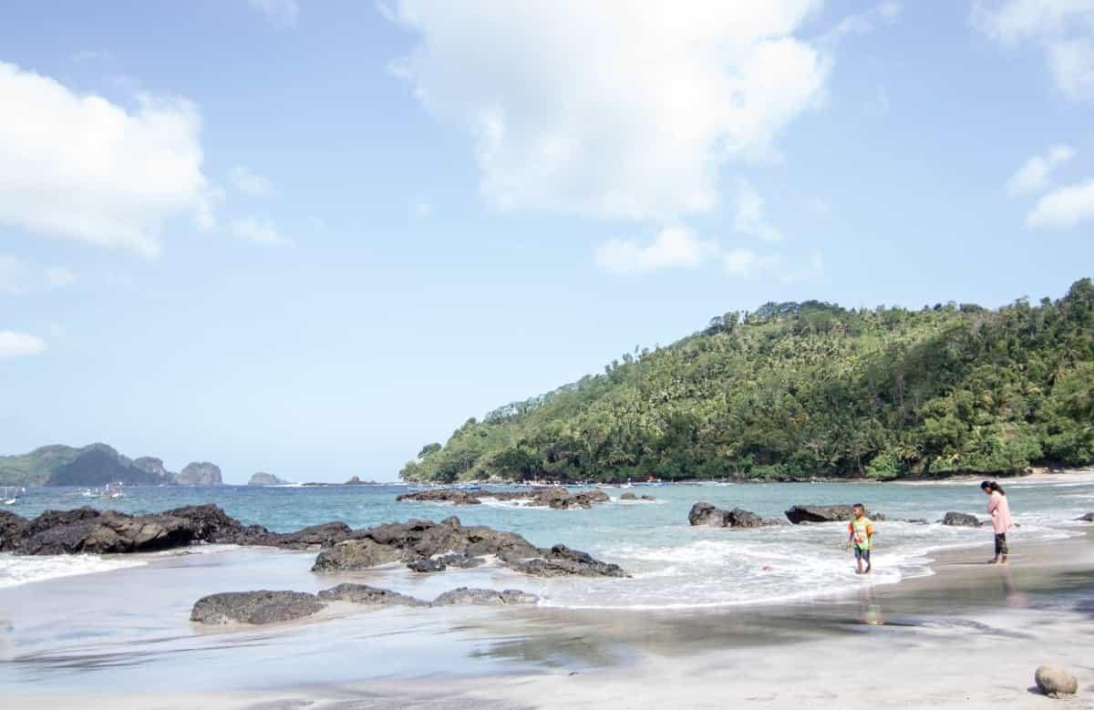Ngampiran Beach Trenggalek