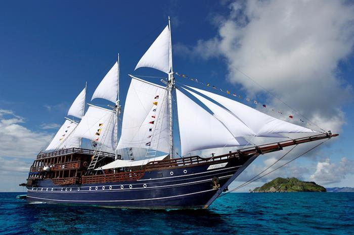 Amira Liveaboard Indonesia