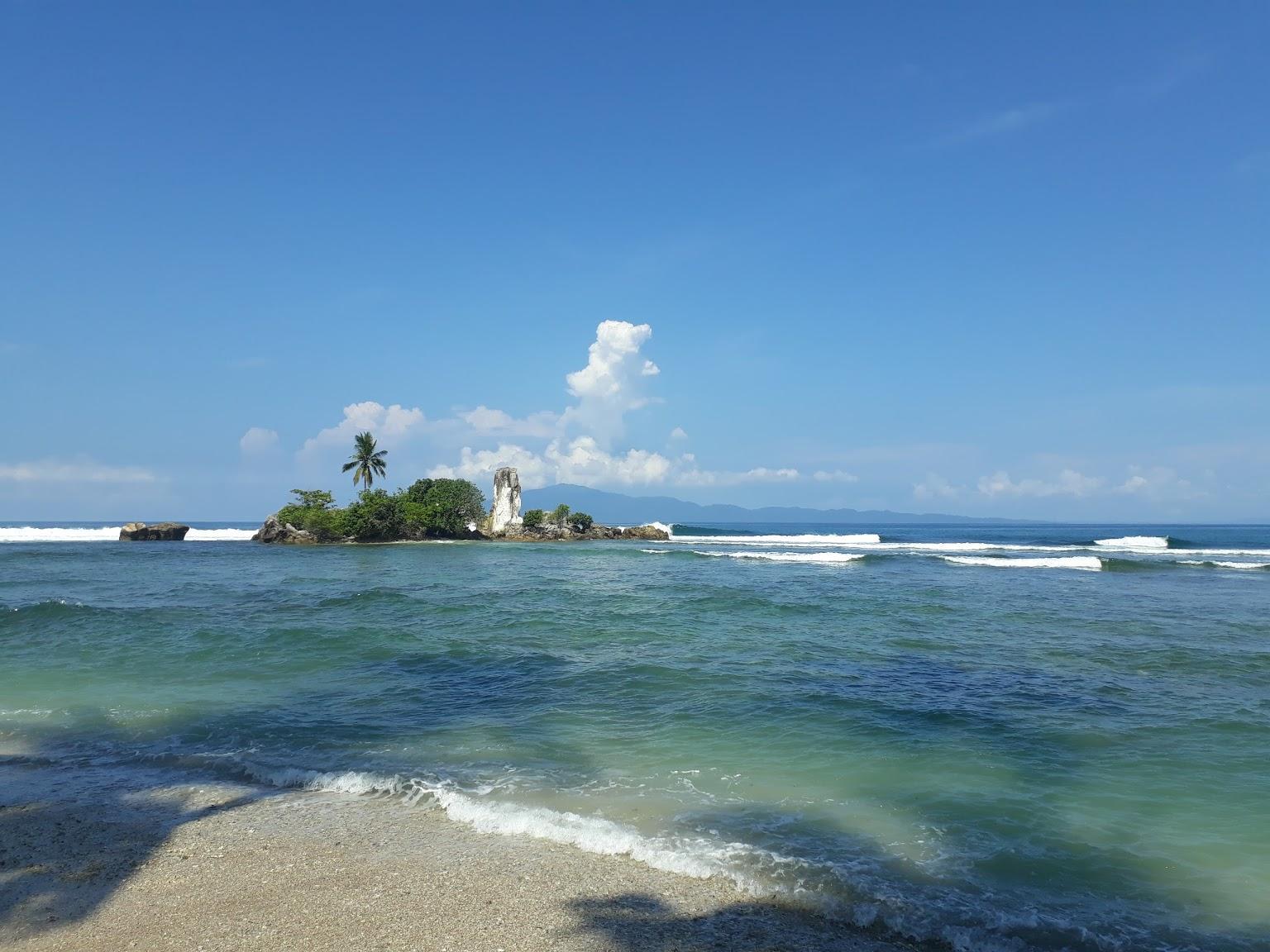 Karang Putih Cukuh Balak Beach