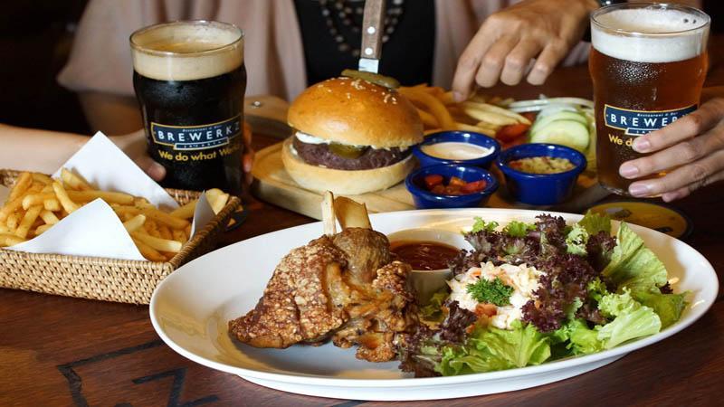 Brewerkz Bar & Grill