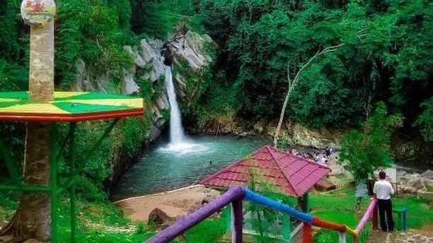 Way Lalaan Waterfall
