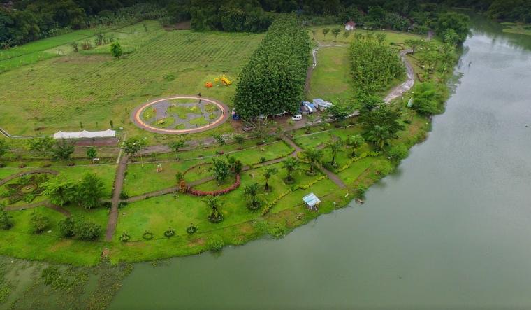 Park Temple Ngawi