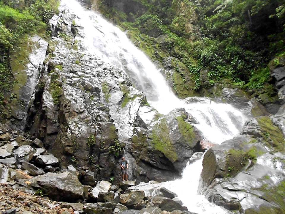 Lombongo Waterfall