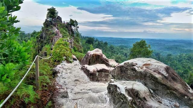 Bukit Batu Dinding