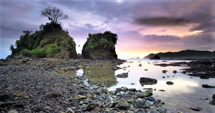Batu Naga Beach