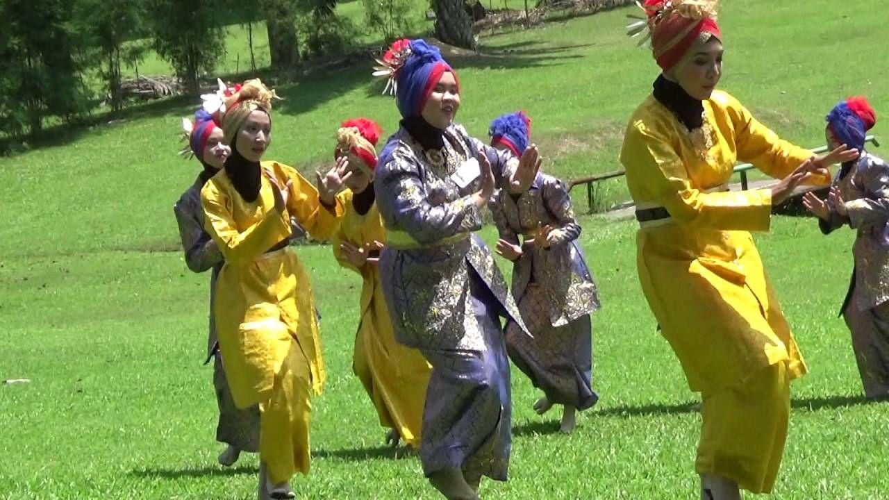 Ula-Ula Lembing Dance