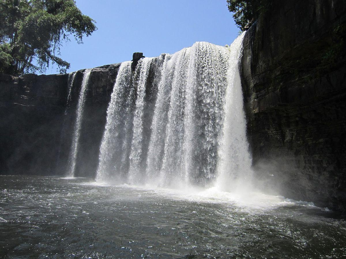 Riam Merasap Waterfall