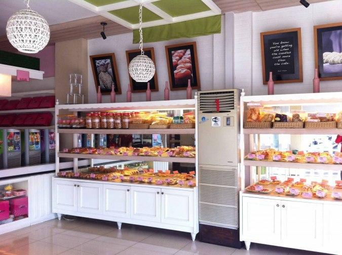 Queenara Kitchen, Bread & Cakeshop