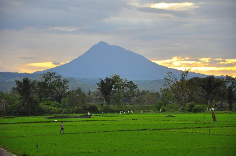 Gunung Seulawah Agam