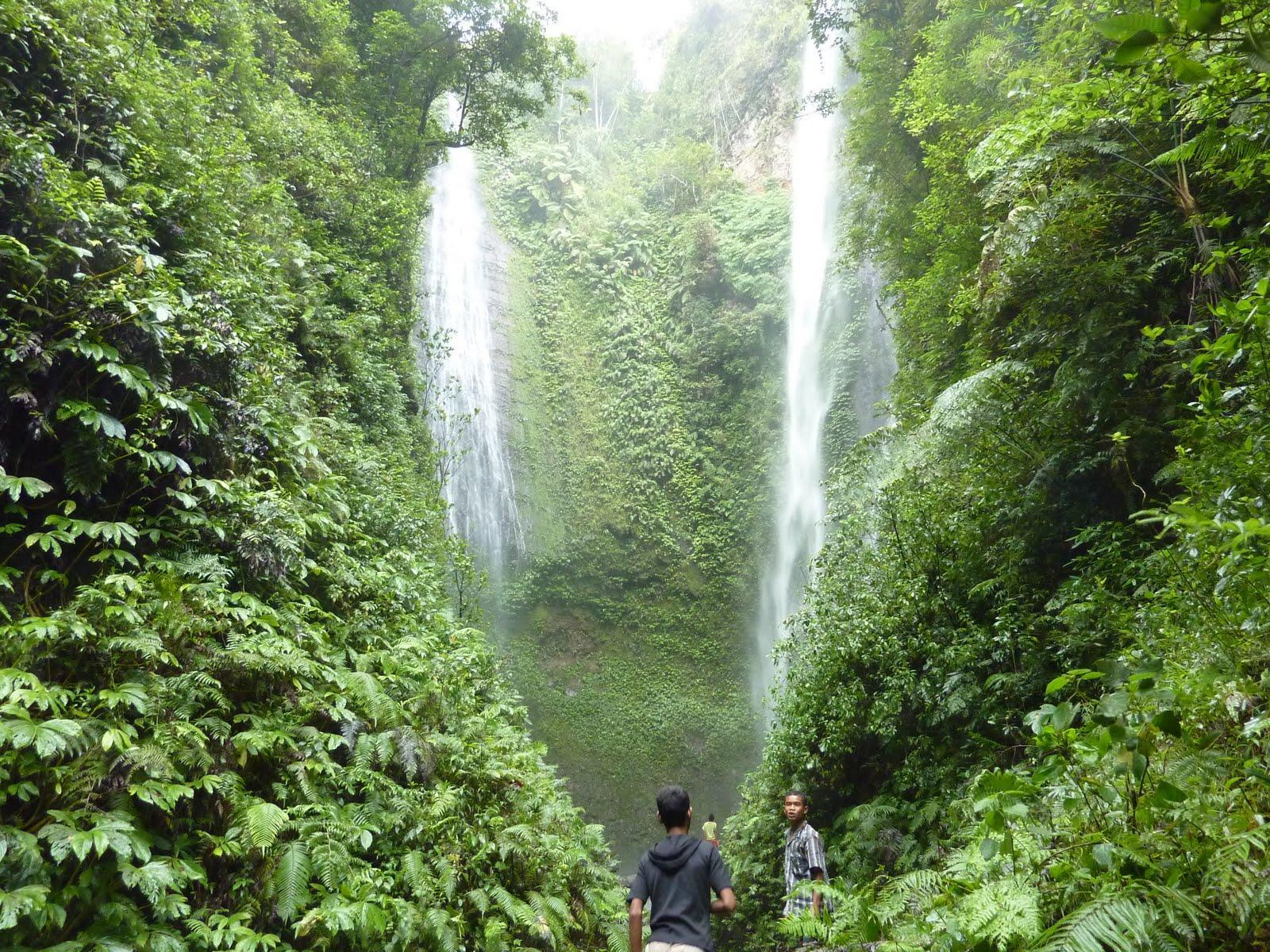 Murusobe Twin Waterfall