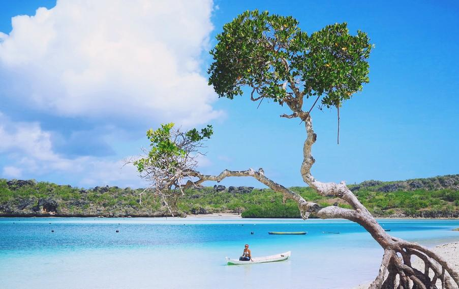 Oeseli Rote Beach