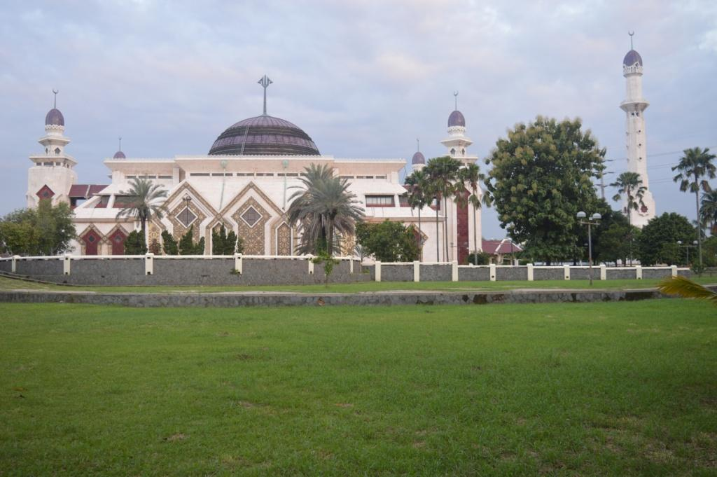 Masjid Agung At-Tin
