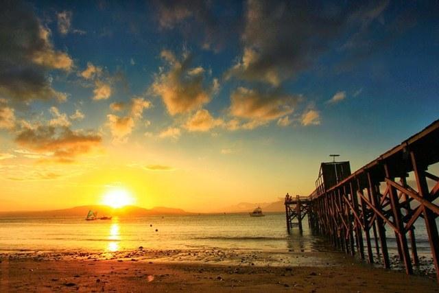 Waru Doyong Beach