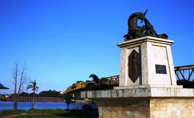Pesut Mahakam Monument