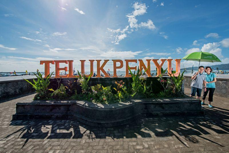 Teluk Penyu Beach