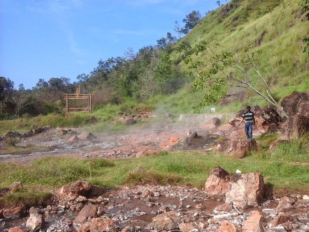 Wisata Pemandian Air Panas Bener Meriah Aceh