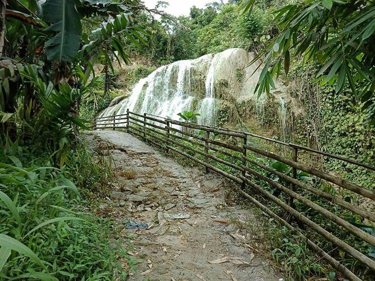 Mondrowe Waterfall