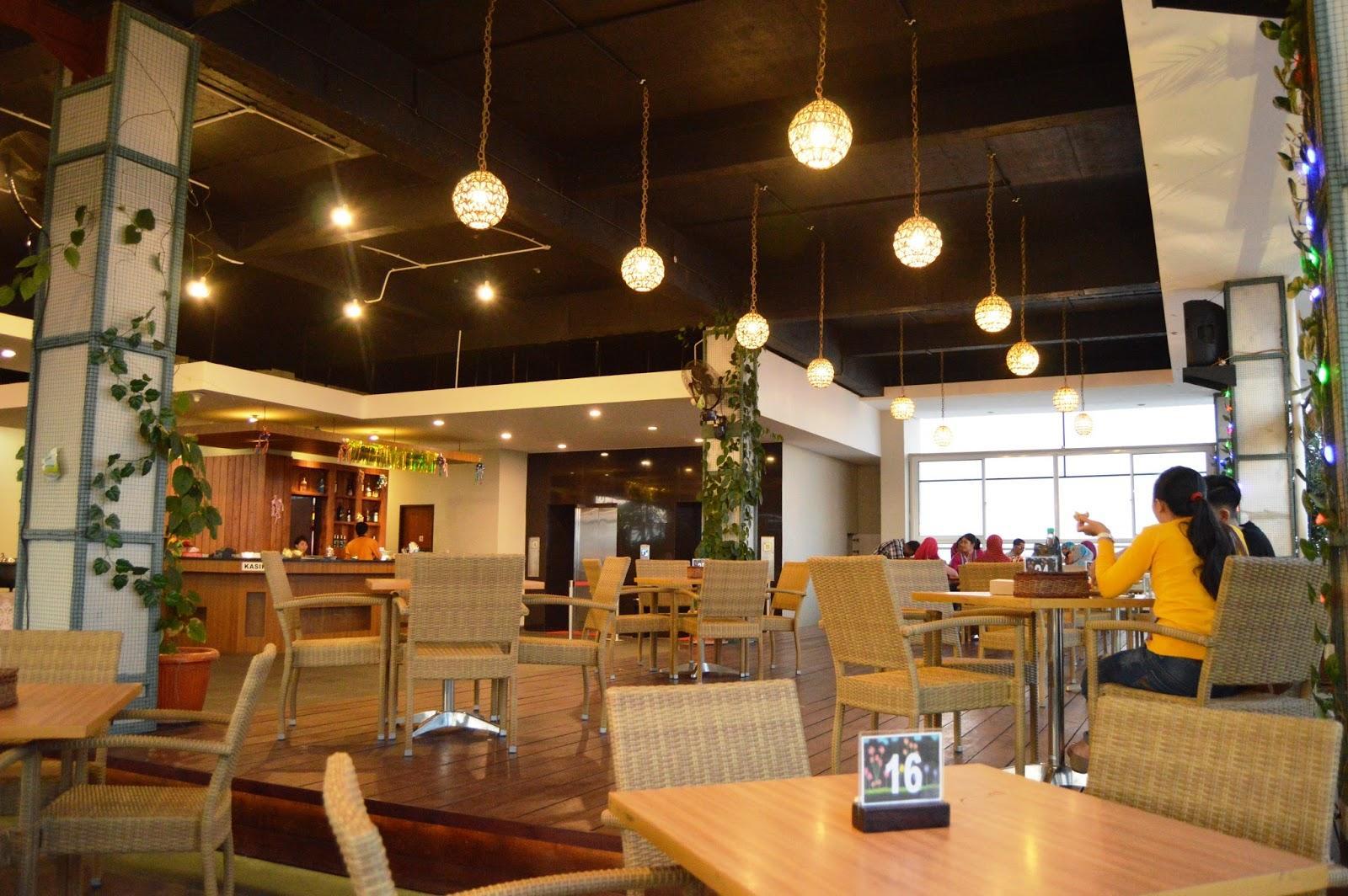Sky Cafe 1