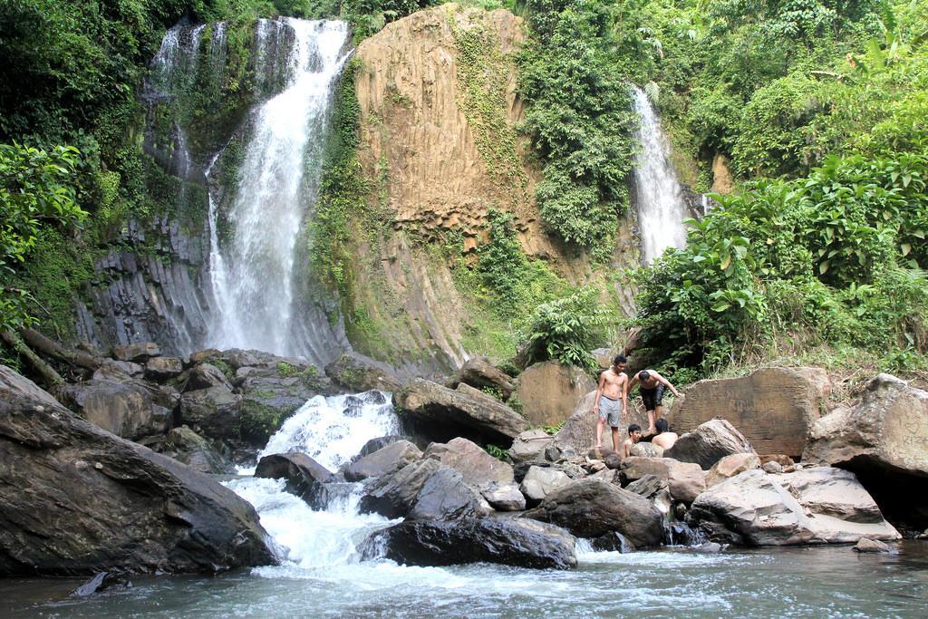 Lembah Pelangi Waterfall