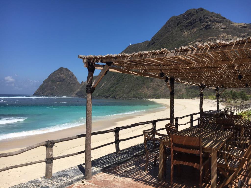 Nomad Tropical Beach Resort