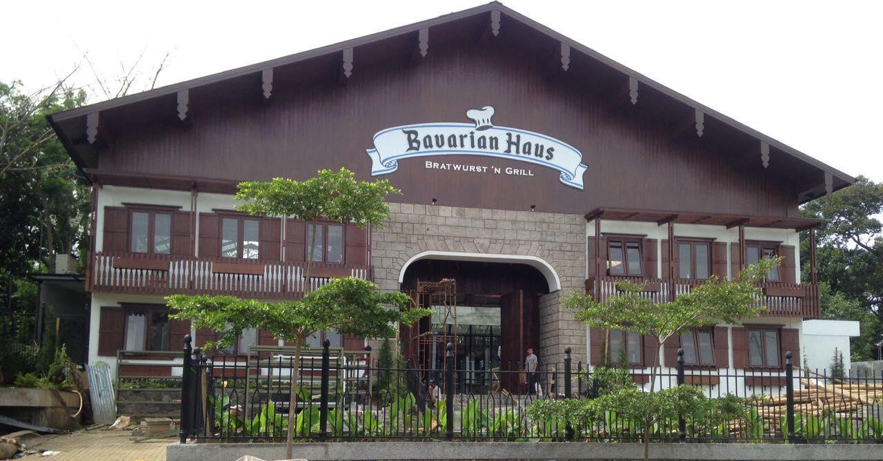 Bavarian Haus Bratwurst 'n Grill