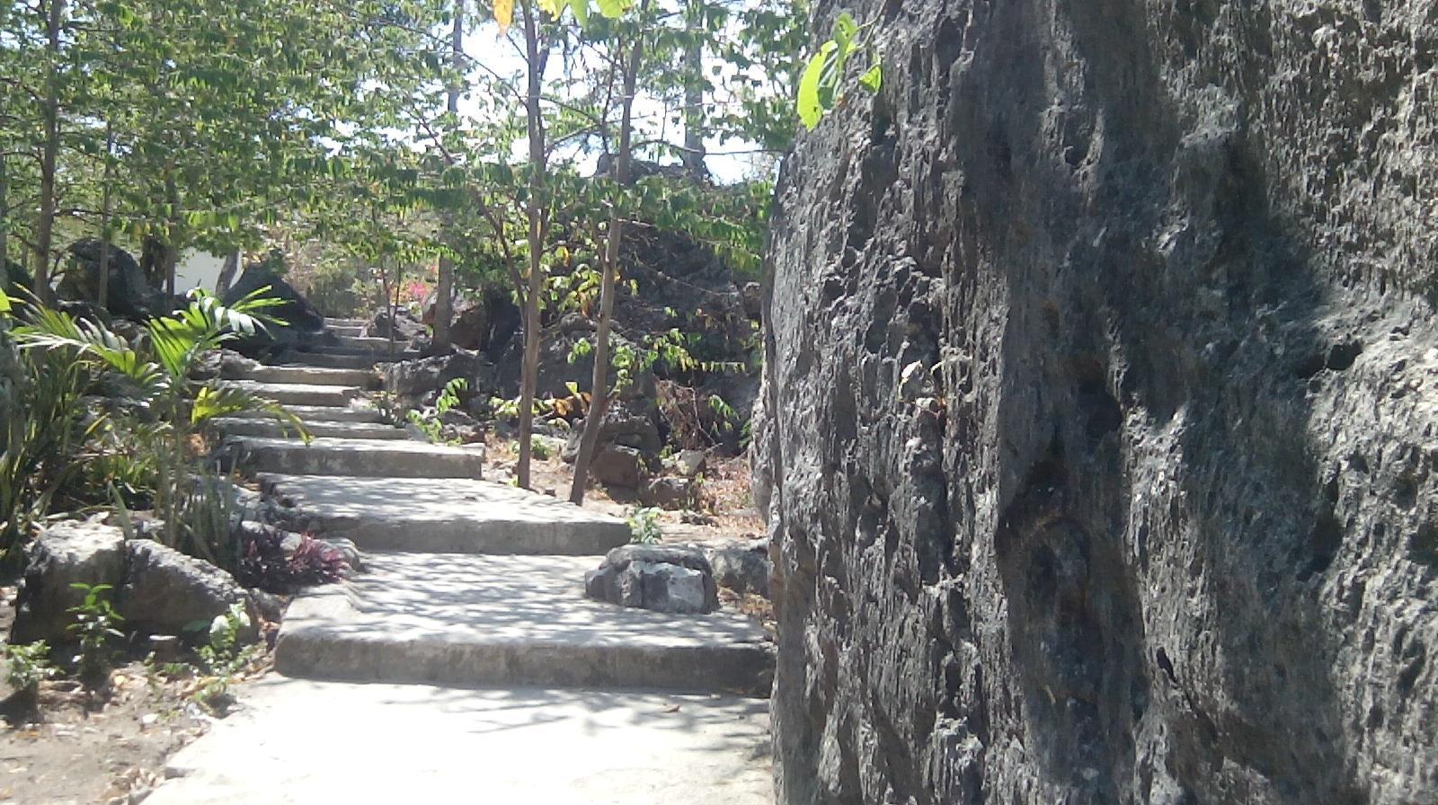 Taman Wisata Liang Bukal