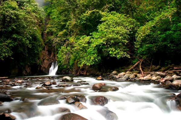 Sampuran Putih Waterfall