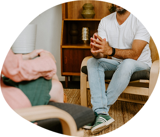 Client speaking to psychologist whilst receiving DBT therapy in Melbourne