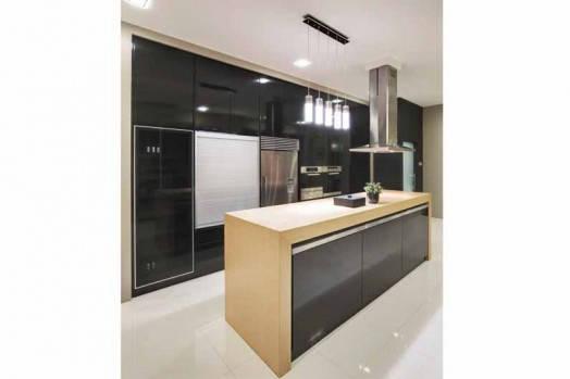 Sleek-&-Glossy_Kitchen_3D-Innovative